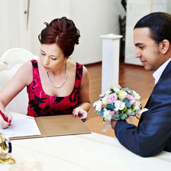 Témoin de mariage: bien choisir la tenue idéale